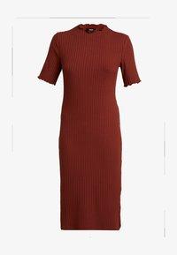 Zign Petite - Stickad klänning - dark red - 6