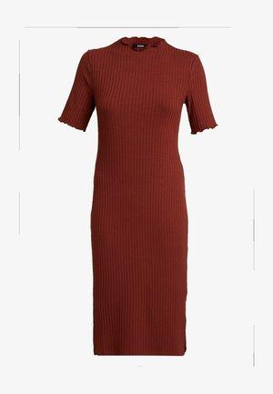 Strikket kjole - dark red