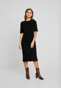 Zign Petite - Robe pull - black - 0