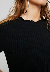 Zign Petite - Vestido de punto - black - 5