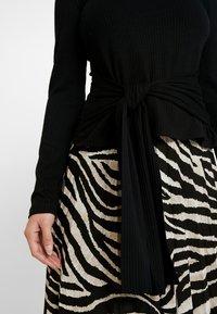 Zign Petite - Stickad tröja - black - 5