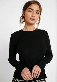 Zign Petite - Stickad tröja - black - 3