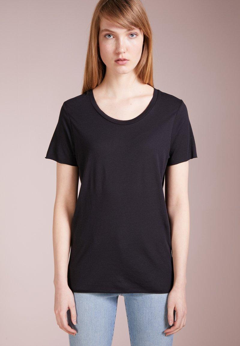 Zoe Karssen - ROUND NECK LOOSE FIT TEE - Basic T-shirt - pirate black