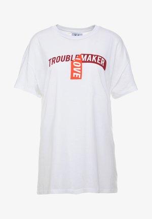 BOYFRIEND FIT - T-Shirt print - optical white