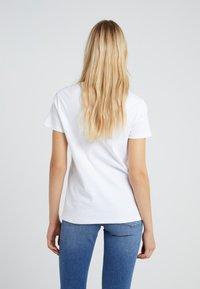 Zoe Karssen - LOOSE FIT TEE GIRLS - T-shirt z nadrukiem - optical white - 2