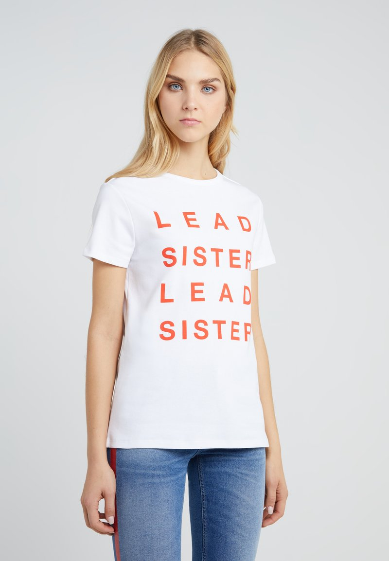 Zoe Karssen - LOOSE FIT TEE LEAD SISTER - T-Shirt print - optical white