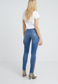 Zoe Karssen - PATTY GIRLS - Jeans Skinny Fit - denim blue - 2