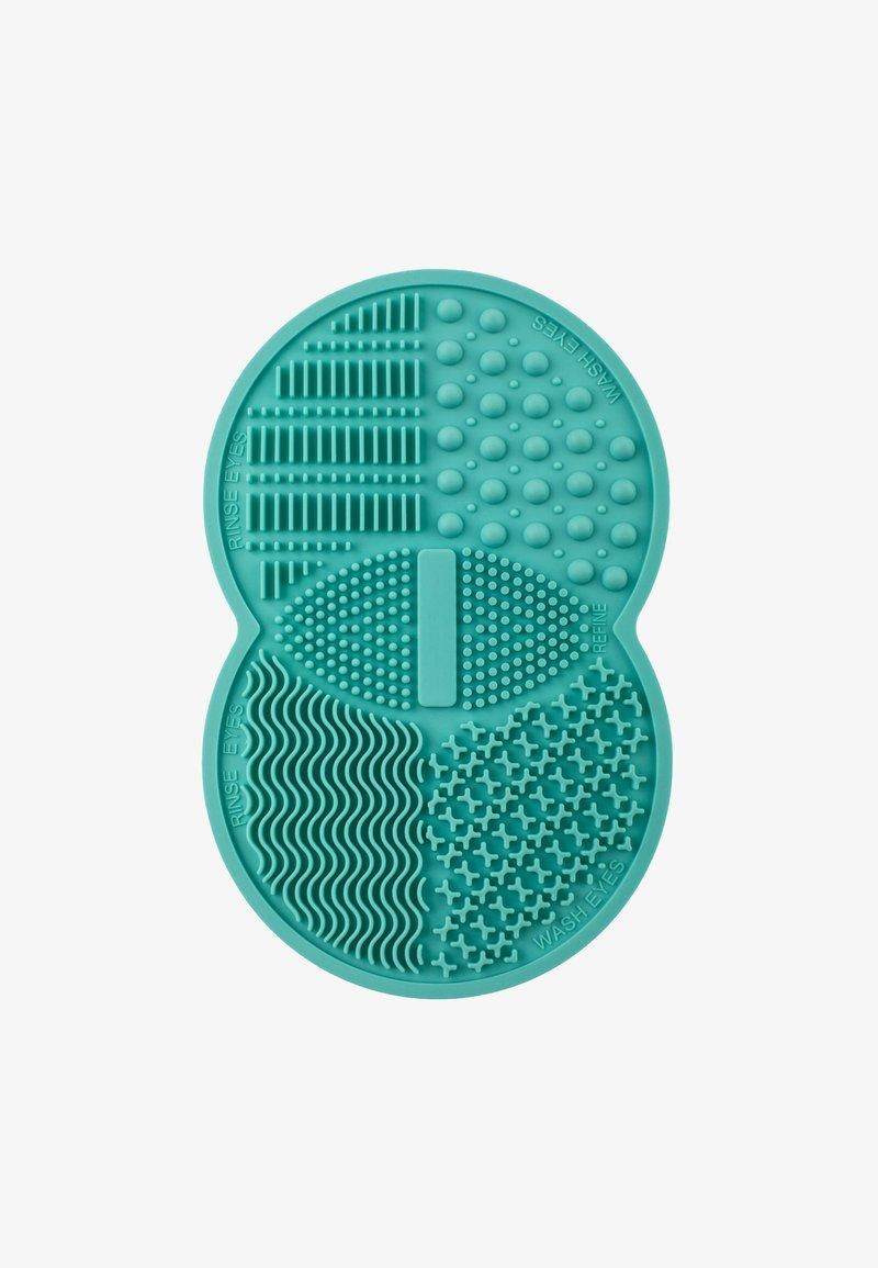 ZOË AYLA - MAKE-UP BRUSH CLEANSING RUBBER PAD - Makeup-accessories - light blue