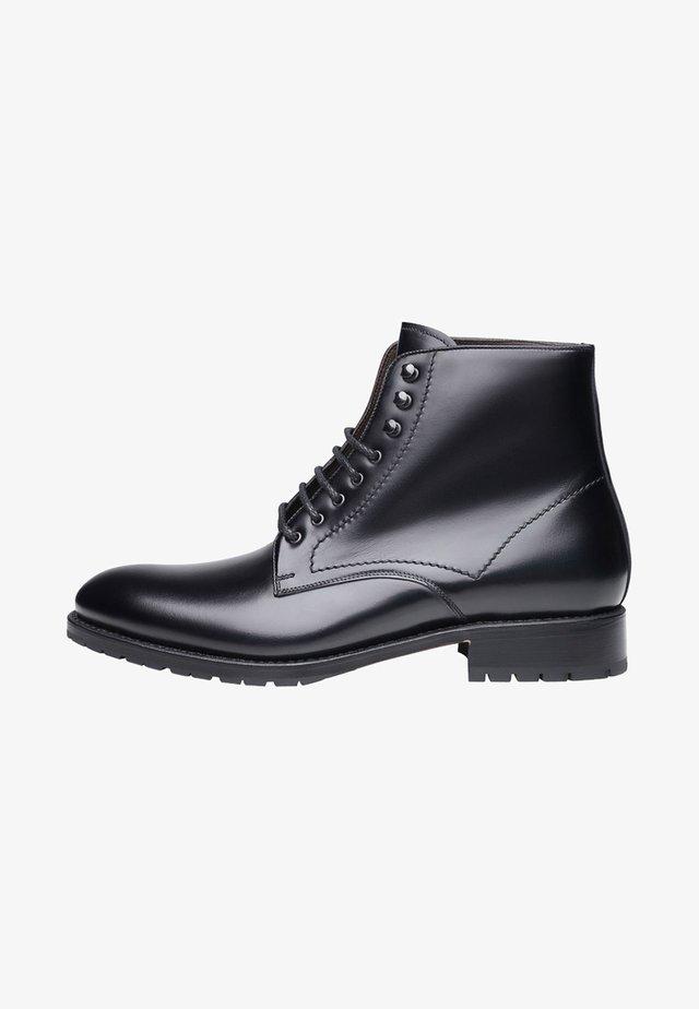 NO. 616 - Veterboots - black