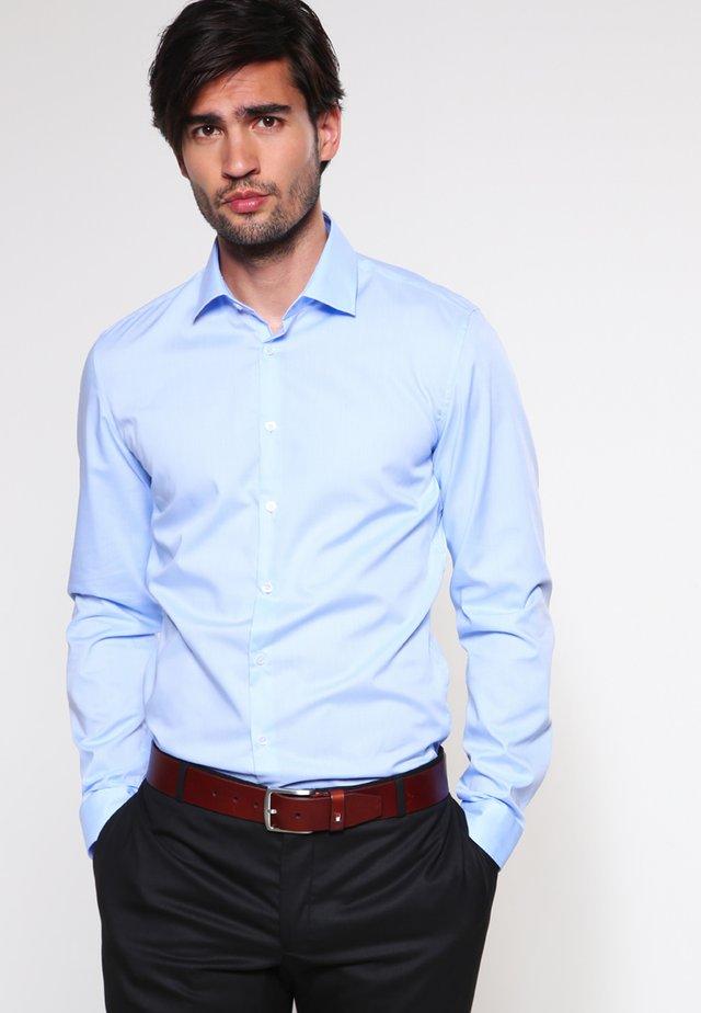 Skjorter - hellblau