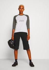 Zimtstern - PUREFLOWZ 3/4 - Sports shirt - glacier grey/gun metal/blush - 1