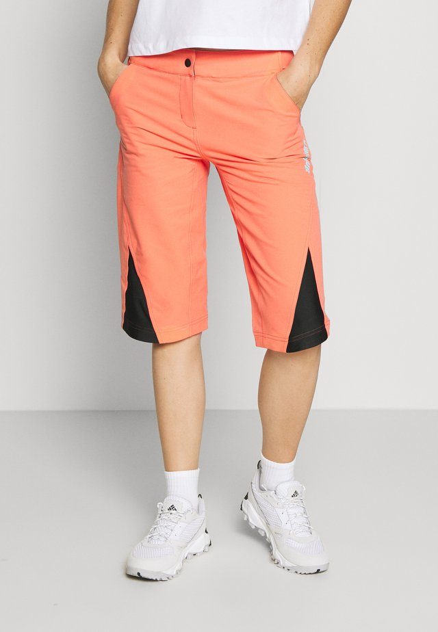 STAR FLOWZ SHORT  - Sports shorts - living coral/black