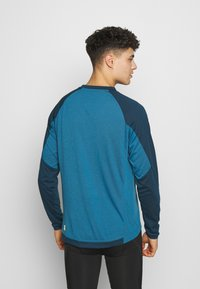 Zimtstern - PURE FLOWZ MEN - Sports shirt - blue steel/french navy/mimosa - 2