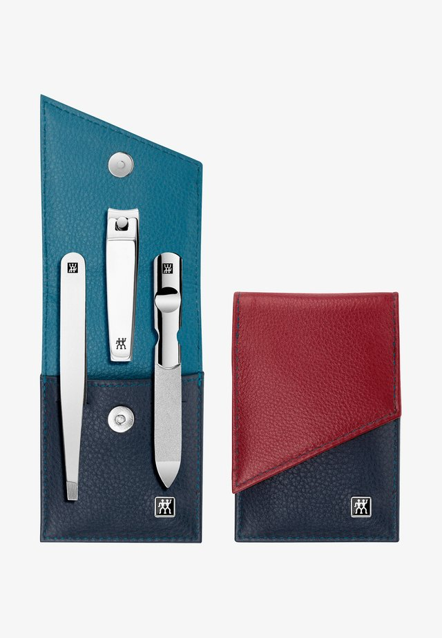 SNAP FASTENER CASE IN CALF LEATHER 3 PIECES - Nagelpflege-Set - blue/red
