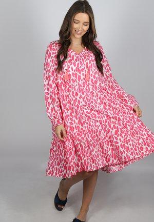 TARA - Day dress - pink