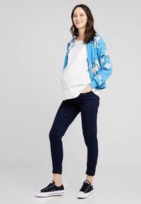 Zalando Essentials Maternity - Jeans Skinny - dark blue - 1