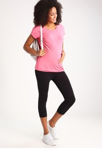 Zalando Essentials Maternity - Legging - black - 1