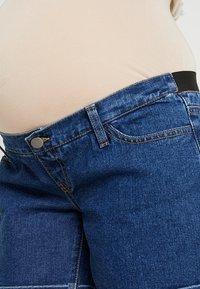Zalando Essentials Maternity - Džínové kraťasy - blue denim - 4