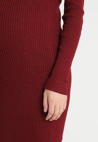 Zalando Essentials Maternity - HIGH NECK LONG - Stickad klänning - syrah - 6