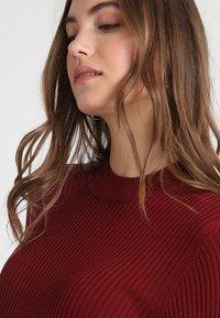 Zalando Essentials Maternity - HIGH NECK LONG - Stickad klänning - syrah - 4