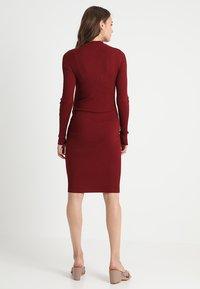 Zalando Essentials Maternity - HIGH NECK LONG - Stickad klänning - syrah - 3