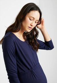 Zalando Essentials Maternity - Žerzejové šaty - maritime blue - 2