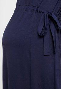 Zalando Essentials Maternity - Žerzejové šaty - maritime blue - 6