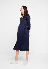 Zalando Essentials Maternity - Žerzejové šaty - maritime blue - 1