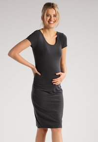 Zalando Essentials Maternity - 2 PACK - Jerseykleid - black/dark grey melange