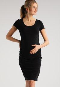 Zalando Essentials Maternity - 2 PACK - Žerzejové šaty - black/dark grey melange - 0