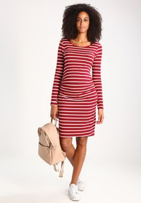 Zalando Essentials Maternity - Jerseyjurk - dark red/white - 1