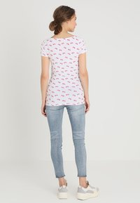 Zalando Essentials Maternity - T-shirt z nadrukiem - bright white