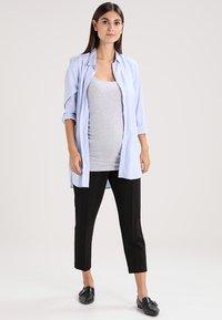 Zalando Essentials Maternity - 3 PACK - Top - black/greymel/white - 1