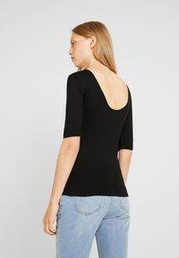 Zalando Essentials Maternity - T-shirt - bas - black - 2