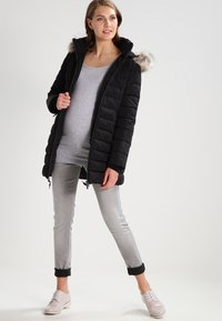 Zalando Essentials Maternity - Maglietta a manica lunga - light grey melange - 1