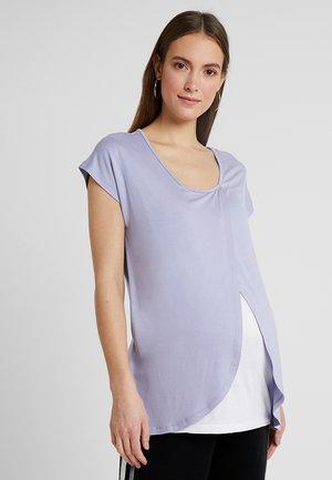 T-shirt med print - sweet lavendar