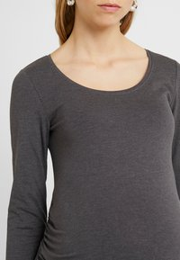 Zalando Essentials Maternity - 2 PACK  - Long sleeved top - dark grey melage/navy peacoat - 4