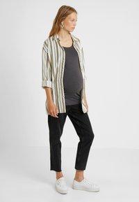 Zalando Essentials Maternity - 2 PACK  - Long sleeved top - dark grey melage/navy peacoat - 1