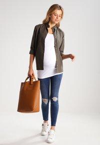 Zalando Essentials Maternity - 2 PACK - Top - black/white - 1