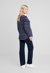 Zalando Essentials Maternity - Sweter - dark blue/off-white - 2