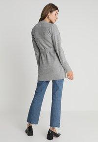 Zalando Essentials Maternity - Vest - mid grey melange - 2