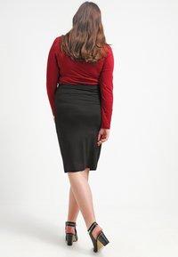Zalando Essentials Curvy - Pouzdrová sukně - black - 2