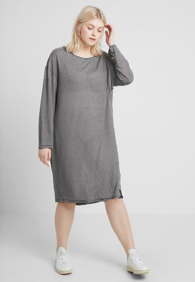 Jumper dress - black/white