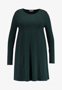 Zalando Essentials Curvy - Sukienka z dżerseju - dark green - 4