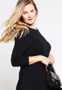 Zalando Essentials Curvy - Jersey dress - black - 3