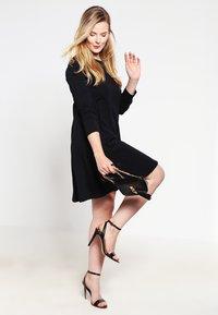 Zalando Essentials Curvy - Jersey dress - black - 1