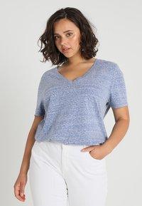 Zalando Essentials Curvy - Camiseta básica - surf the web - 0