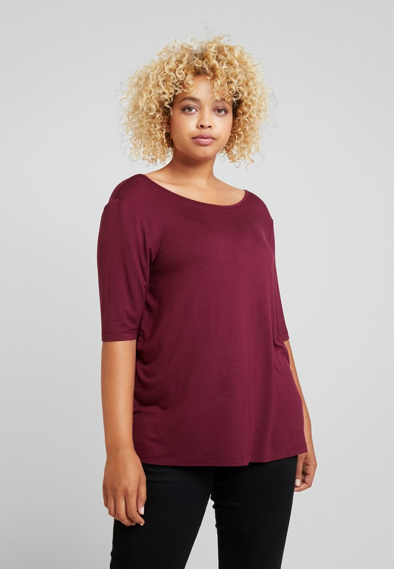 Zalando Essentials Curvy - T-shirt basic - zinfandel