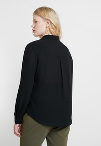 Zalando Essentials Curvy - Camicia - black - 2