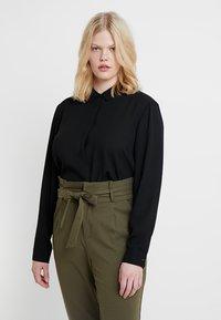 Zalando Essentials Curvy - Camicia - black - 0